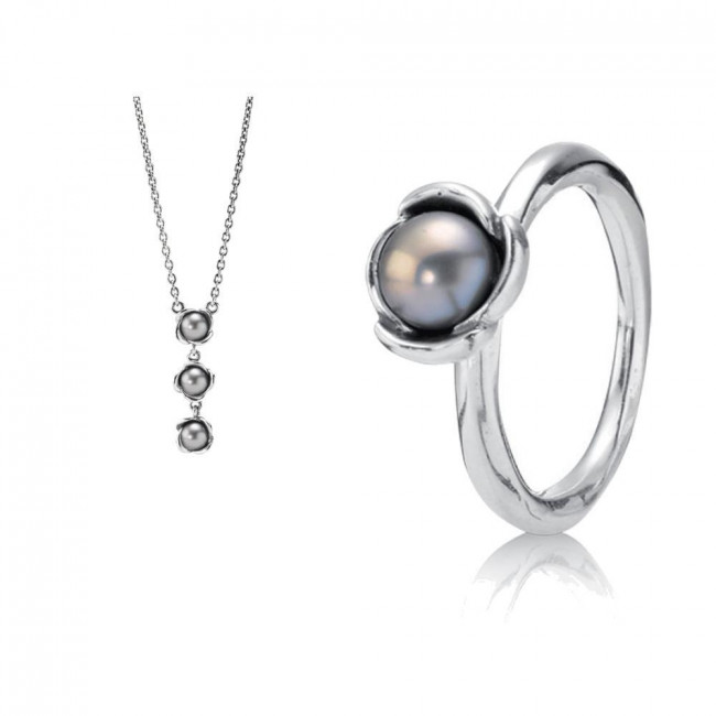 Original pandora gift set 1 grand pearl ring 190607gp and 1 flower original pandora gift set 1 grand pearl ring 190607gp and 1 flower pearl pendant 390150gp mozeypictures